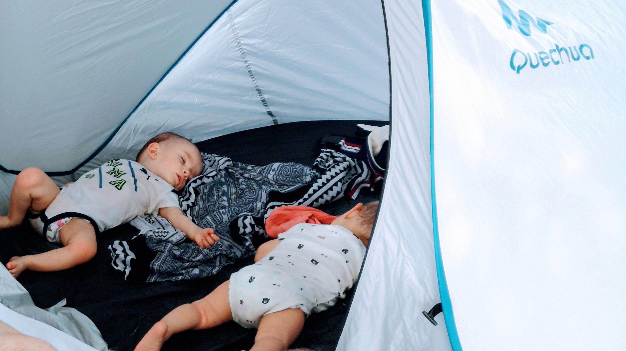 Variációk a baba alvására utazás alatt